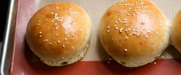 Ev yapımı hamburger ekmeği hasıl yapılır?