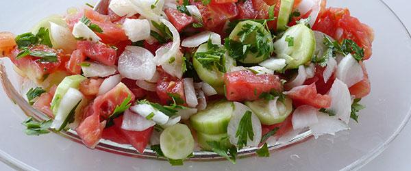 Çoban salatası nasıl yapılır?