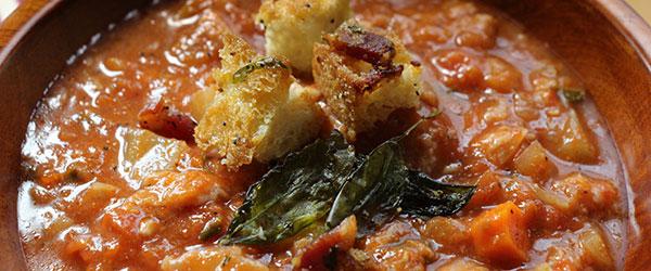 Ekmekli domates çorbası nasıl yapılır