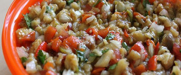 Patlıcan salatası nasıl yapılır?