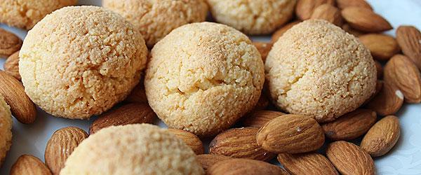 Bademli kurabiye nasıl yapılır?