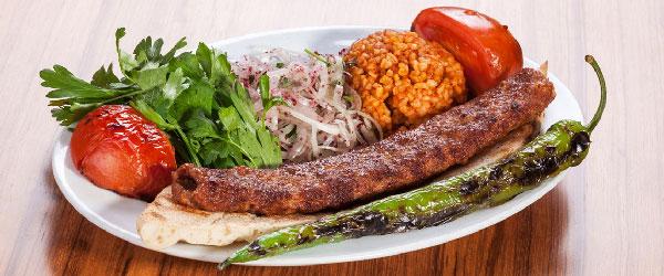 Adana kebabı nasıl yapılır?
